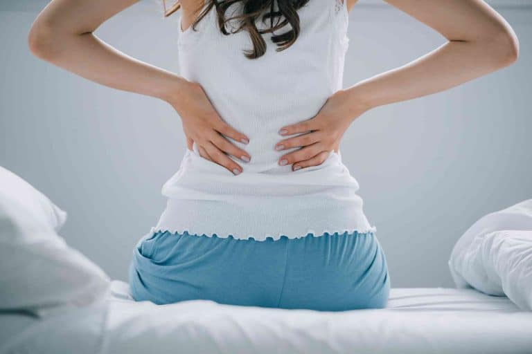 6 Ways of Dealing with Postpartum Back Pains For Twin Moms_