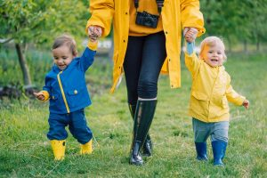Mothering Multiples: 5 Tricks for telling twins apart